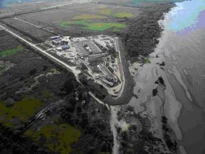 Vista aérea de la planta de pretratamiento en la costa de Berazategui